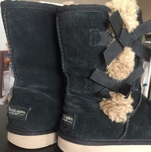 UGGs Suede Bow Girls/Women Sz 6